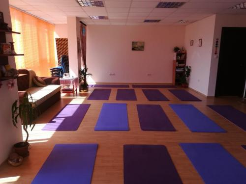 Yoga Samokov 15